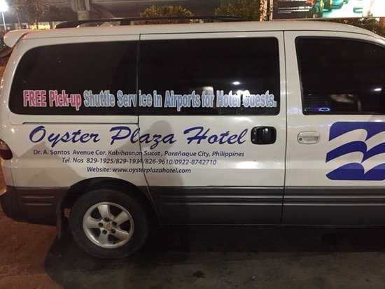 Oyster Plaza Hotel : Keep an eye out for this van at the airport or look for someone holding a name sign by the curb,