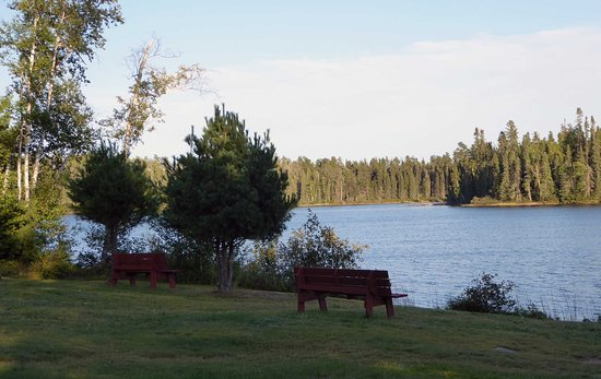 English River, Canada: Lake in front of motel