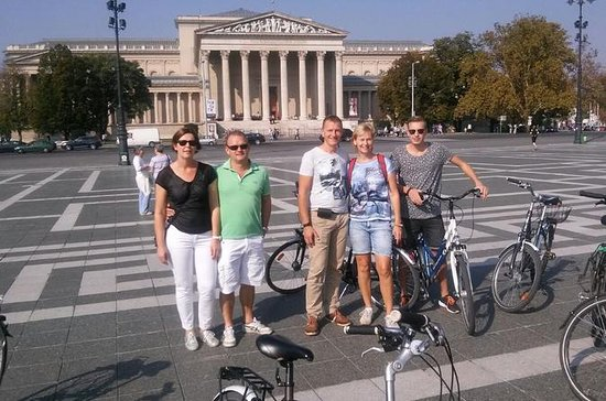 Budapest Highlights Bike Tour