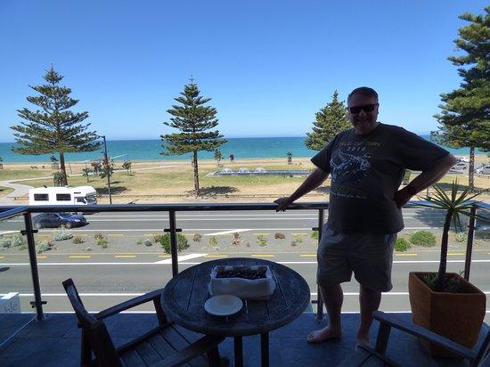 Pebble Beach Motor Inn: Viiew from room 11 balcony
