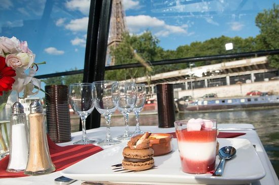 Seine River Cruise with 3-Course Meal
