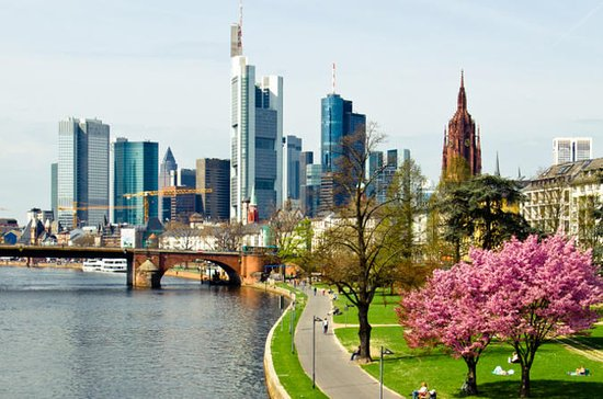 Frankfurt Layover Private Sightseeing Tour with Round-Trip Airport...