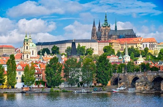 Prague Castle Walking Tour