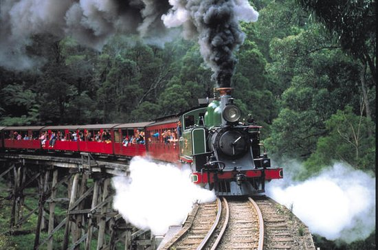Puffing Billy Steam Train, Yarra...