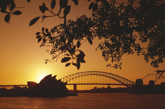 4-Day Sydney with Sydney Harbour Cruise and the Blue Mountains