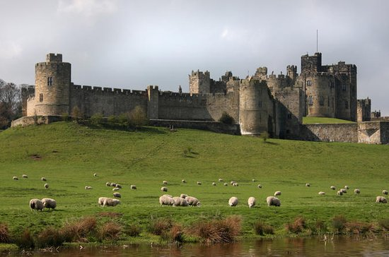 Alnwick Castle and Scottish Borders...