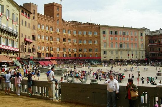 Private Tour: Siena and San Gimignano