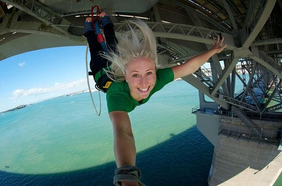 Pulo de bungee jump na Auckland...