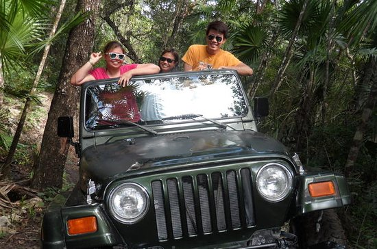 Aventure en jeep dans la jungle à la...