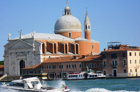 Private Arrival Transfer: Venice Train or Bus Stations to Venice...