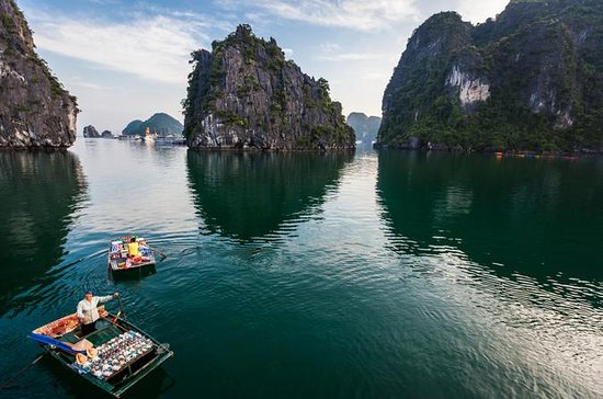Halong Bay from Hanoi Private Deluxe Cruise with Seafood Lunch