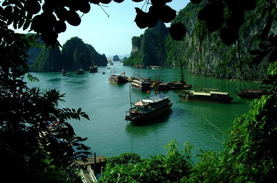 Private Tour: 4-Day Hanoi Highlights...