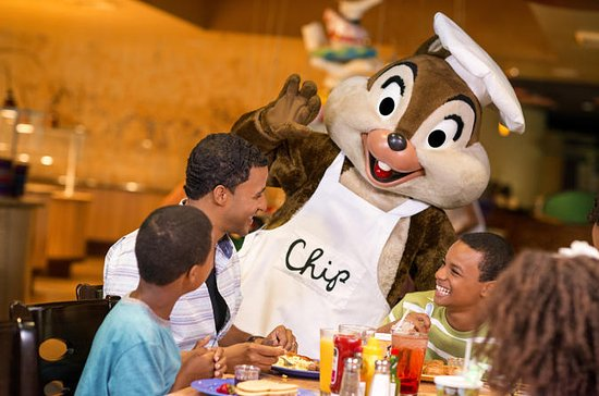 Disney Character Breakfast at Chef...