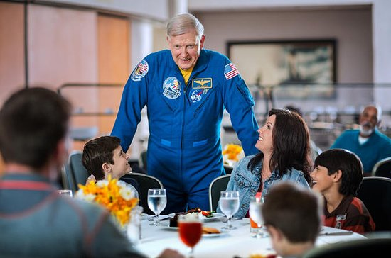 Kennedy Space Center Tour, Dine with...
