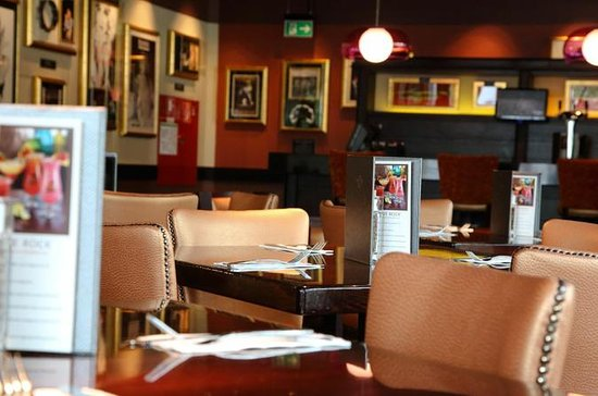 Hopp over linjen: Hard Rock Cafe Köln...