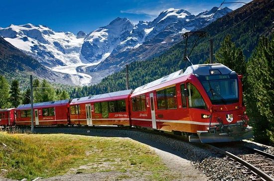 Excursion des Alpes suisses en train...