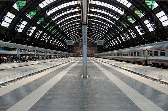 Traslado privado para llegadas desde la estación de ferrocarril de...