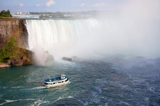 Niagara Falls America and Canada Sides 1-Day Sightseeing Tour