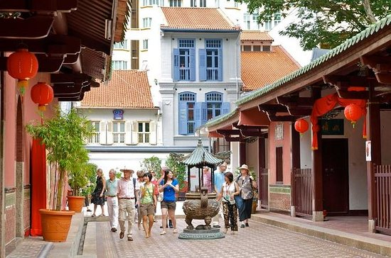 Singapore's Chinatown Morning Walking...