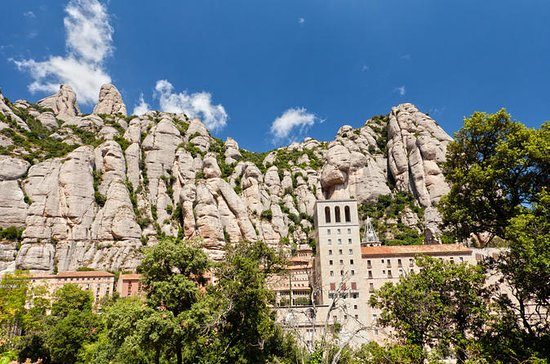 Montserrat Tour with La Sagrada Familia Skip-the-Line Option