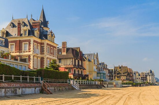 Private Tour: Honfleur, Deauville and