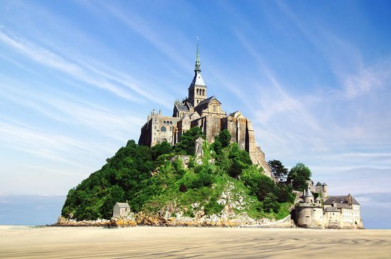 Mont Saint-Michel from Caen Private Full-Day Tour