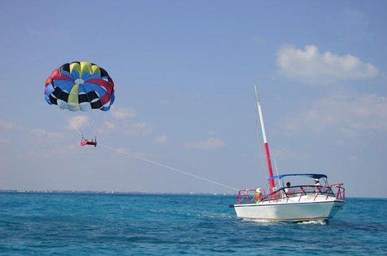 Aventura de parasailing por Cancun