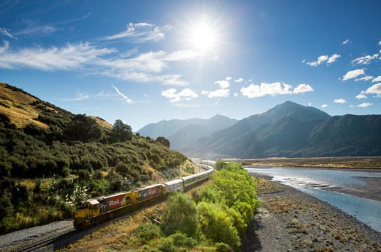 Arthur's Pass with TranzAlpine Train...