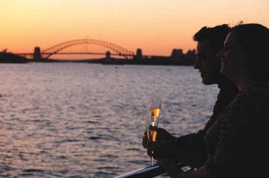 Sydney Harbour Sunset Dinner Cruise