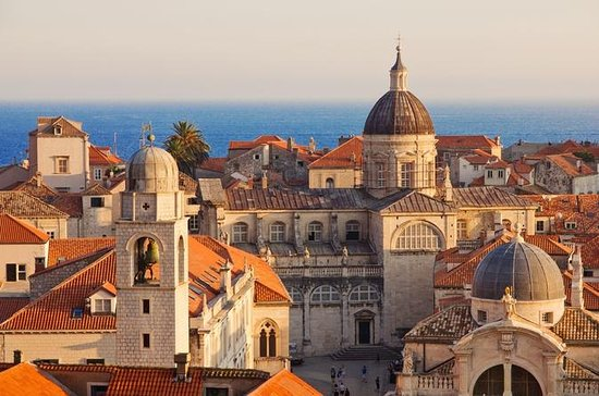 Dubrovnik Old Town and Ancient City Walls Walking Tour
