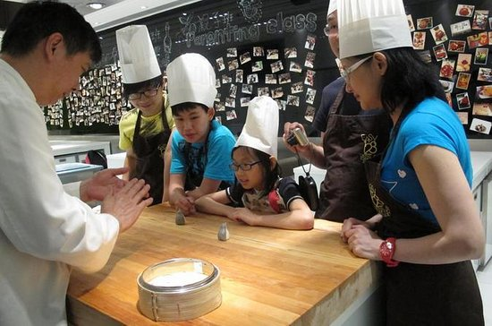 Dim Sum Cooking Class in Hong Kong