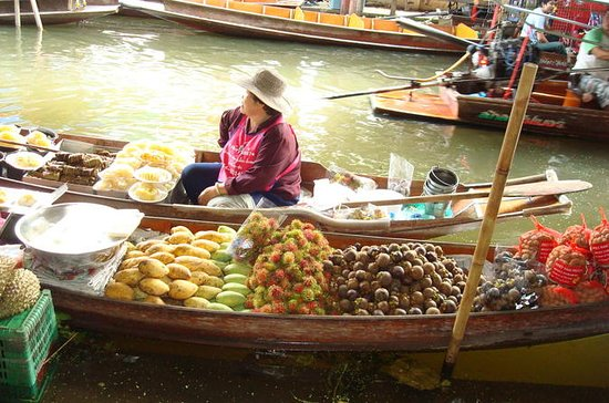 Damnoen Saduak Floating Markets Day Cruise from Bangkok