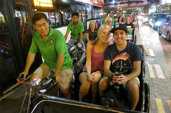 Singapore's Chinatown Trishaw Night...