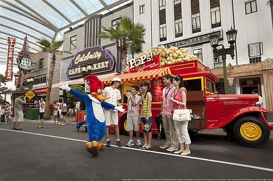 Skip the Line: VIP Tour of Universal Studios Singapore with Private...