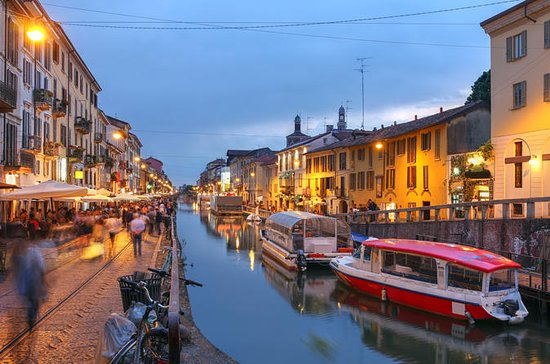 Navigli Canal Evening Walking Tour in...