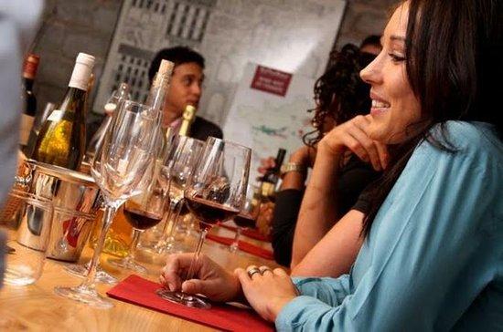 Wijnproeverij in Parijs met lunch met ...