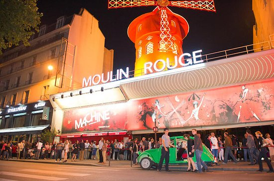Vintage 2CV Transfer to the Moulin Rouge