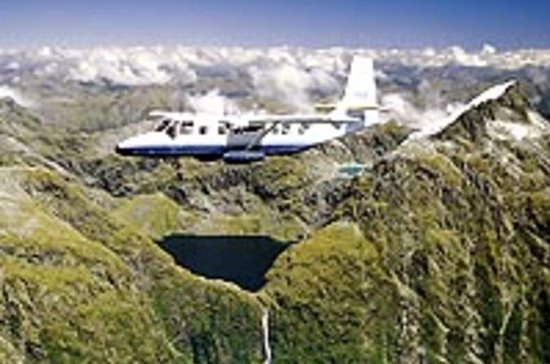 Milford Sound Full-Day Tour from