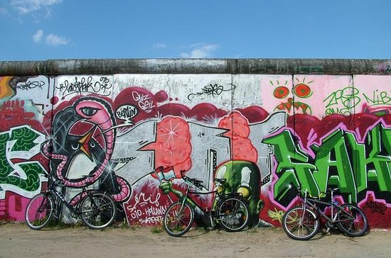 Berlin Bike Tour: Berlin Wall and