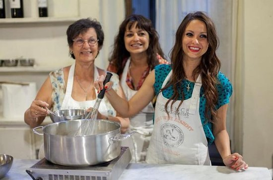 Small-Group Italian Cooking Class with Market Tour in Florence