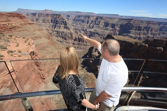 Grand Canyon Helicopter: Below-Rim...