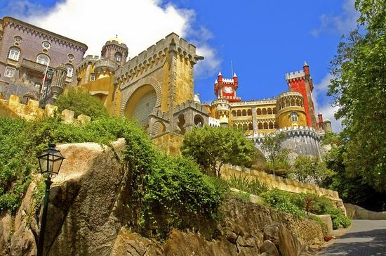 Sintra and Cascais Small-Group Day Trip...