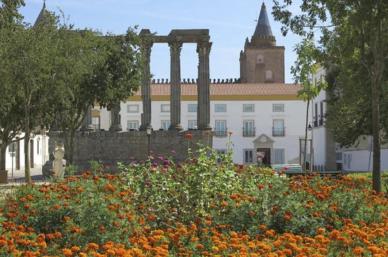 Small-Group Évora Day Trip from Lisbon...