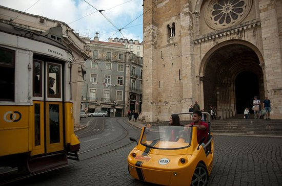 Tour di Lisbona in GoCar con GPS
