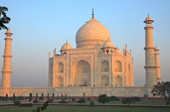 Historical Agra Day Tour: Taj Mahal...