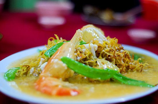 Eat Like a Local: Kuala Lumpur Hawker Center and Street Food Tour by...
