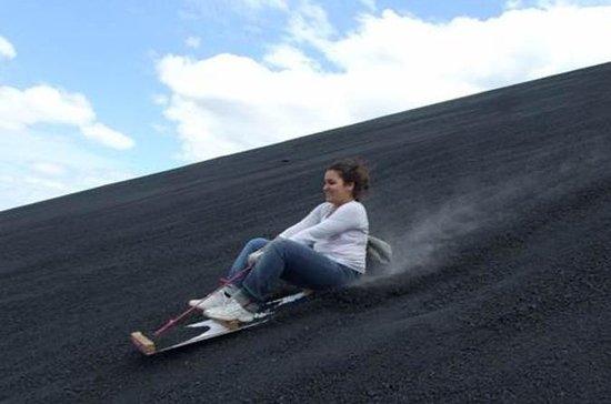 Cerro Negro Vulkan Sandboarding ab...