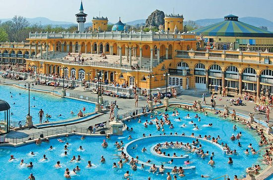 Skip the Line Széchenyi Spa in Budapest with Massage Upgrade