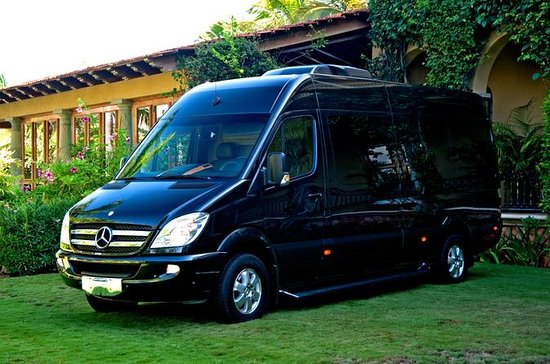 Cancun Hotel to Airport Luxury Transfer