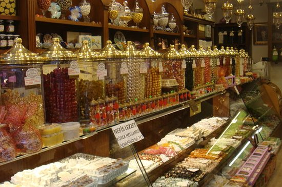 Istanbul Beyoglu Food Night Walking Tour with Meze Sampling